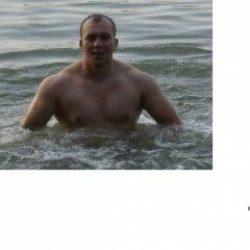 Парень хочет найти девушку в Магнитогорске