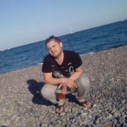 Спортивный парень ищет отличный секс с девушкой в Магнитогорске